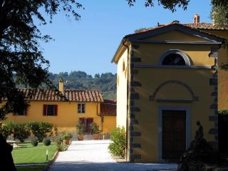 Nice House with Internet Access and A/C - Massa e Cozzile vacation rentals