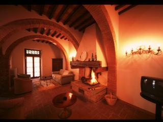 Siena Apartments Archi - TFR75 - Ponte a Moriano vacation rentals