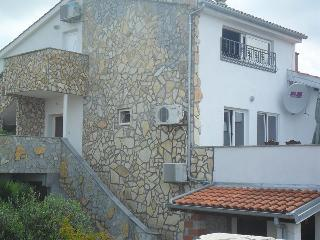 Beautiful Condo with Internet Access and Garden - Omisalj vacation rentals