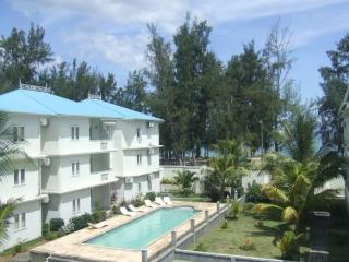 Beachfront apartment with sea & mountain views - Albion vacation rentals