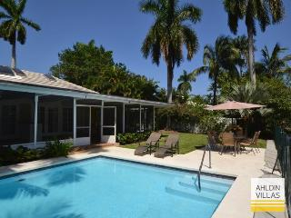Waterfront, 4 beds/baths, close to beach, pool - Fort Lauderdale vacation rentals
