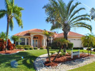 Perfect Villa with Deck and A/C - Cape Coral vacation rentals