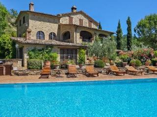 Beautifully Restored Countryhouse Camilla with Pool, Hot Tub & Large Grounds - Bevagna vacation rentals