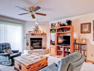 LAKE VIEW, 2 BDRM CONDO, SLPS 8  (F203) - Frisco vacation rentals
