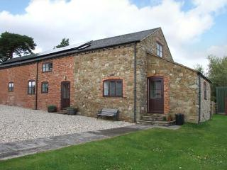HOPE HALL BARN, woodburner, WiFi, enclosed garden, pet-friendly cottage near Minsterley, Ref. 26775 - Snailbeach vacation rentals