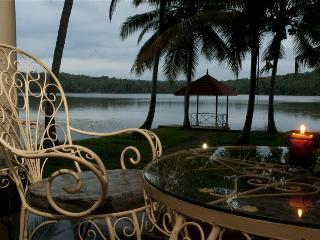 Vellayani Lakeshore Villa - Thiruvananthapuram (Trivandrum) vacation rentals