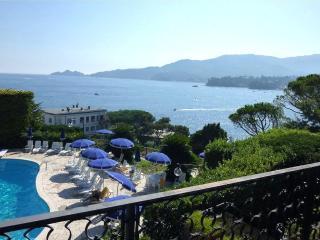Apt Timone Breathtaking View and Pool.Rapallo - Santa Teresa di Gallura vacation rentals