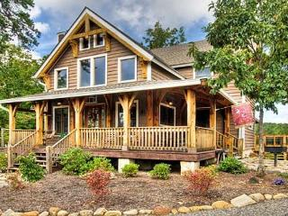 Charming House with A/C and Deck in Black Mountain - Black Mountain vacation rentals