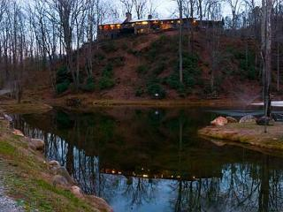 Round Knob Lodge | 6 BR | Historic, Renovated Railroad Executive Lodge - Old Fort vacation rentals