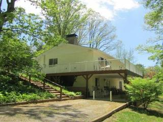 Cozy House with Deck and Internet Access - Black Mountain vacation rentals