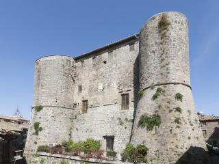 """Castello di Ronciglione """"I Torrioni"""" - Ronciglione vacation rentals"""
