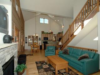 Luxurious 4 bedroom 4 bath mountain home on Discovery Lane at Rendezvous - Winter Park Area vacation rentals
