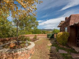 Casa Sequoia - Histroic Adobe home with views, walk to Plaza & Canyon Rd! - Santa Fe vacation rentals