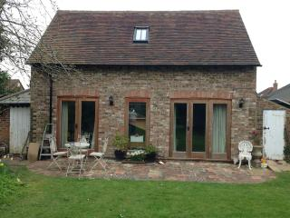 Lovely Cottage with Internet Access and Television - Lewes vacation rentals
