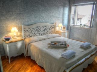 PALAZZO MAFFEI Two bedroom apartment - Verona vacation rentals