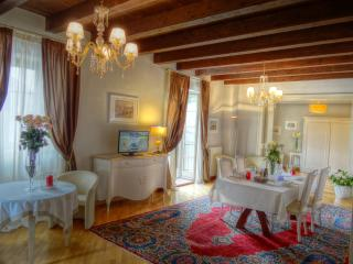 PALAZZO MAFFEI Top floor three bedroom apartment - Verona vacation rentals
