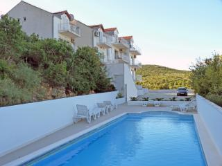 STUNNING  2-BEDROOM  APARTMENT. - Cavtat vacation rentals