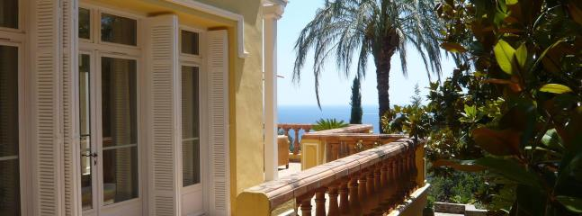 Incredible villa on the French Riviera, 10p - Image 1 - Le Rayol-Canadel - rentals