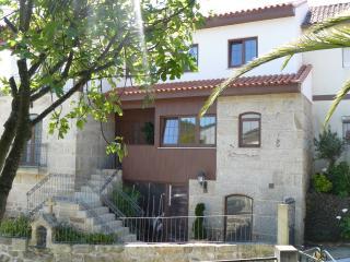 Cêrca dos Passais - Casa do Cruzeiro - piso 0 - Ponte da Barca vacation rentals
