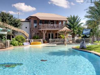 Nice Villa with Deck and Internet Access - New Braunfels vacation rentals