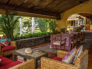 Hermosa Residencia en Renta en San Juan Cosala - San Juan Cosala vacation rentals