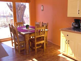 Bright 3 bedroom House in Taos - Taos vacation rentals