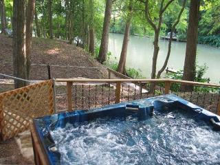 Wunder-Cove Six Waterfront houses on Lake Dunlap - New Braunfels vacation rentals
