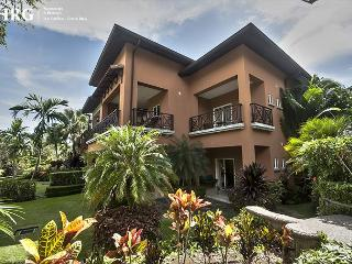 Family Friendly Luxury Condo Overlooking Golf Greens at Los Sueños! - Herradura vacation rentals