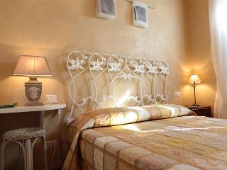 Il Casale dell'Arte - Le Case Antiche - Verucchio vacation rentals