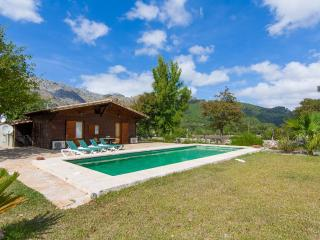 2 bedroom Cottage with Internet Access in Pollenca - Pollenca vacation rentals