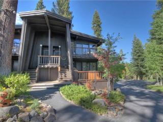 Cozy 3 bedroom Tahoe City House with Internet Access - Tahoe City vacation rentals