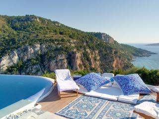 "Celebrity villa ""Los Olivos"" infinity pool view - Pastida vacation rentals"