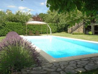 La Pendarie, romantic farmhouse & pool near Najac - Saint-Andre-de-Najac vacation rentals