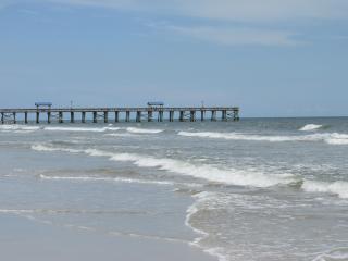 Cozy and Affordable 2BR/2BA Amelia Island Condo - Fernandina Beach vacation rentals