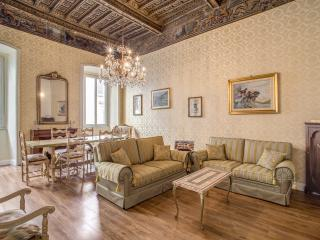 P&FApt. Exclusive The Luxury & History await you! Enjoy the August discount - Rome vacation rentals