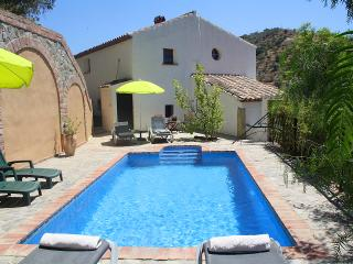 Lovely Farmhouse Barn with Internet Access and A/C - Canillas de Aceituno vacation rentals