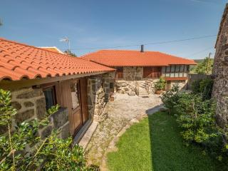 Beautiful Cottage with Internet Access and Satellite Or Cable TV - Castro Laboreiro vacation rentals