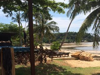 Bright 4 bedroom Koh Mak House with Deck - Koh Mak vacation rentals
