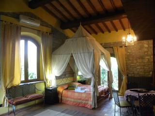 "Country Resort Il Frassine ""Appartamento Diamante"" - Rignano sull'Arno vacation rentals"