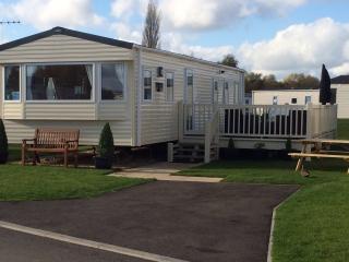 Superior caravan at beautiful tattershall lakes - Tattershall vacation rentals