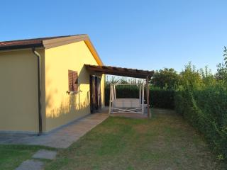 Casamilla con piscina vicino al mare Casetta 2 - Cecina vacation rentals