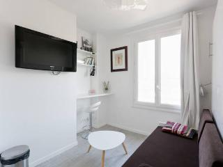 Nice Condo with Internet Access and Short Breaks Allowed - Issy-les-Moulineaux vacation rentals
