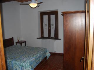 Casamilla con piscina vicino al mare Appartamento2 - Cecina vacation rentals