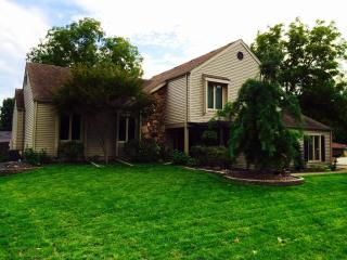Prime Locale to Any Des Moines Attraction - Indianola vacation rentals