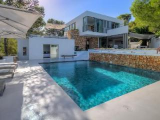 Stunning Contemporary Villa Moli has Pool, Terraces & Sea View - 5 min to Beach! - Cala Carbo vacation rentals