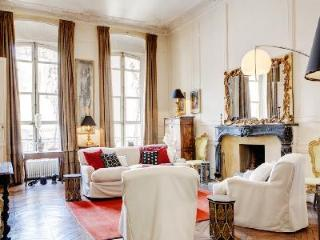 Typically Parisian Apartment Richelieu in Prime Location near the Louvre - 1st Arrondissement Louvre vacation rentals