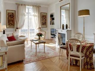 Classic Parisian Style Apartment La Paix in Exceptional High-End Location - 1st Arrondissement Louvre vacation rentals