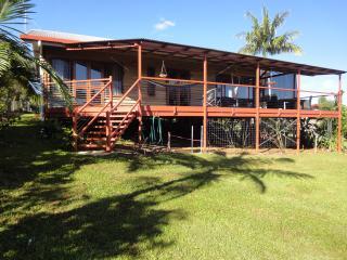 HILLTOPS IN YUNGABURRA VILLAGE - Yungaburra vacation rentals