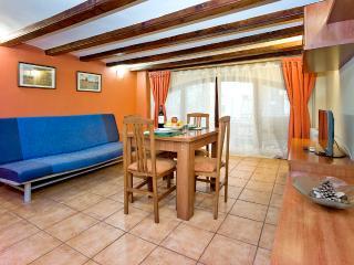 Ok apartment Ramblas Escudelle - Barcelona vacation rentals