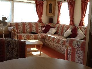 8 berth, 3 bed california cliffs J20 PET FRIENDLY - Great Yarmouth vacation rentals